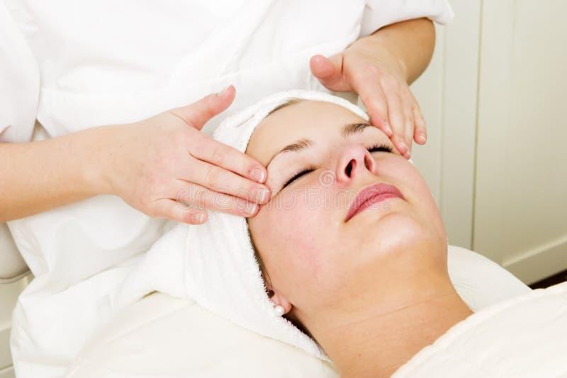 лицевой массаж стоковая фотография