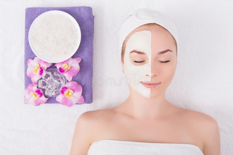 Лицевой щиток гермошлема, косметика курорта, skincare стоковые изображения rf