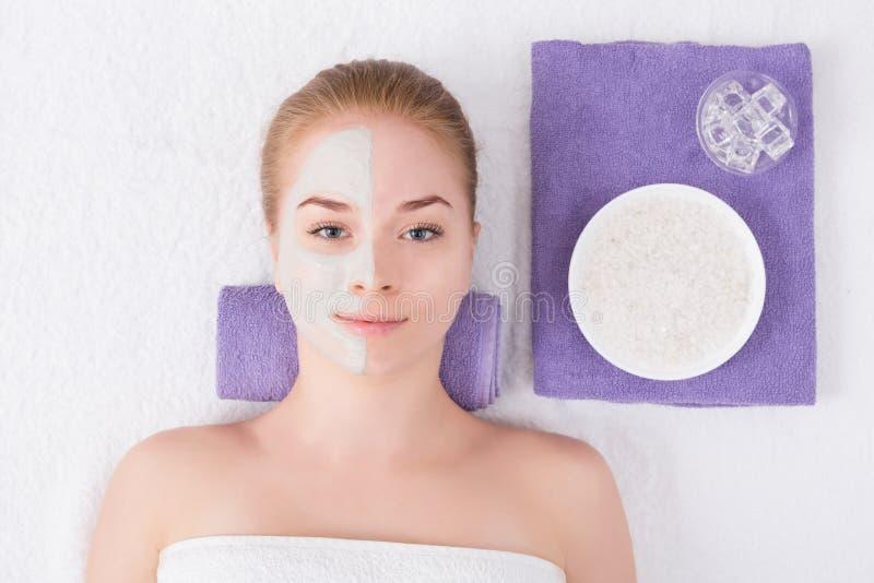 Лицевой щиток гермошлема, косметика курорта, skincare стоковая фотография rf