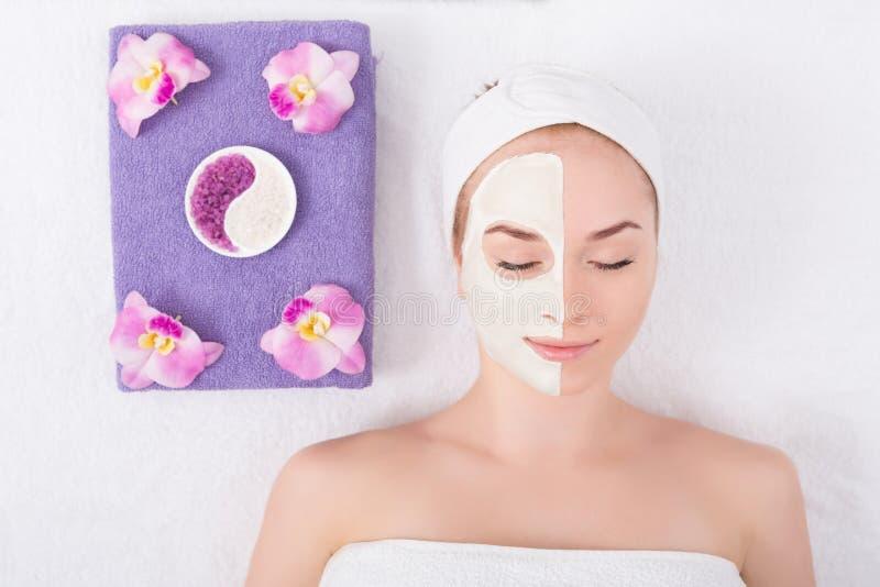 Лицевой щиток гермошлема, косметика курорта, skincare стоковое изображение