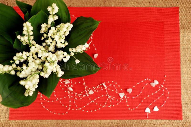 Лилия, красный цвет, предпосылка стоковая фотография