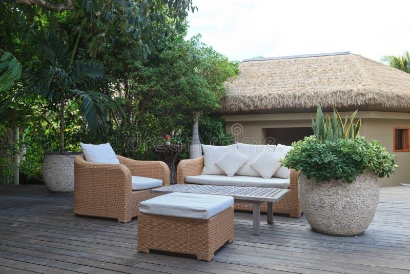 лобби гостиницы тропическое стоковая фотография rf