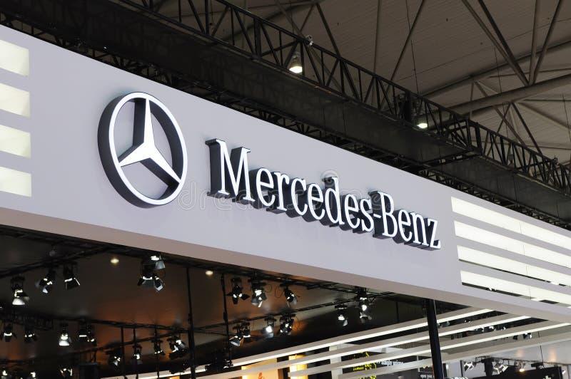 логос mercedes benz стоковая фотография