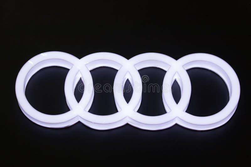 Логотип автомобиля Audi на мотор-шоу стоковое изображение rf