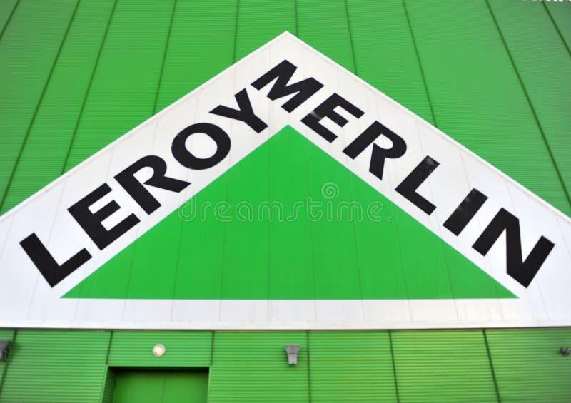 Логотип компании Лероя Мерлина стоковое изображение