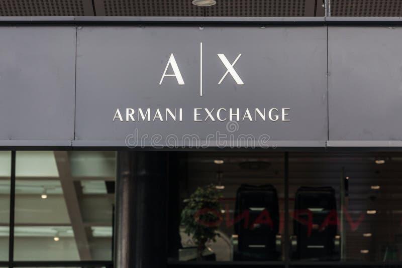Логотип обменом Armani на их mainstore в Белграде Сербии Обмен Armani торговая марка магазина создателя Giorgio Armani стоковое фото rf