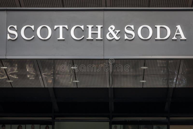 Логотип шотландского и соды на их mainstore в Белграде Сербии Шотландский & соды голландская компания розницы моды стоковая фотография rf