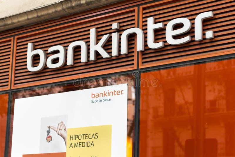 Логотип Bankinter на банковском филиале Bankinter стоковая фотография