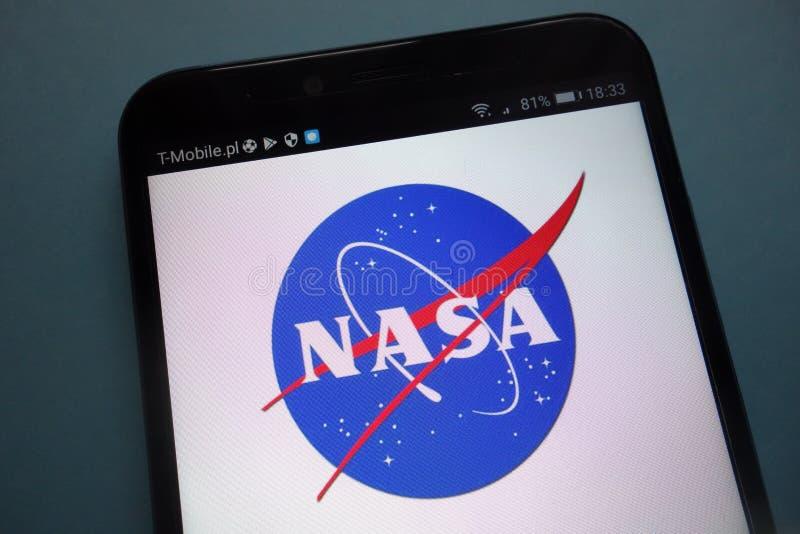 Логотип NASA на смартфоне стоковые изображения rf