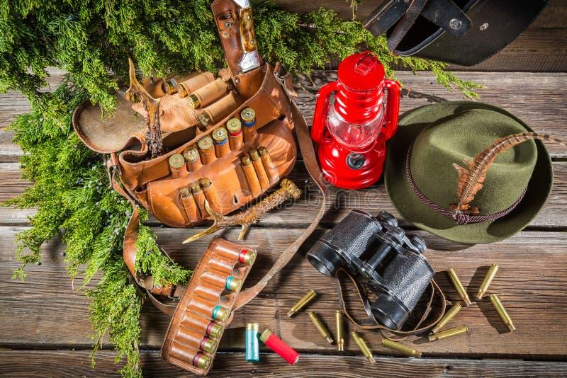 Download Ложа Forester вполне оборудования для охотиться Стоковое Фото - изображение насчитывающей опасность, closeup: 40586932