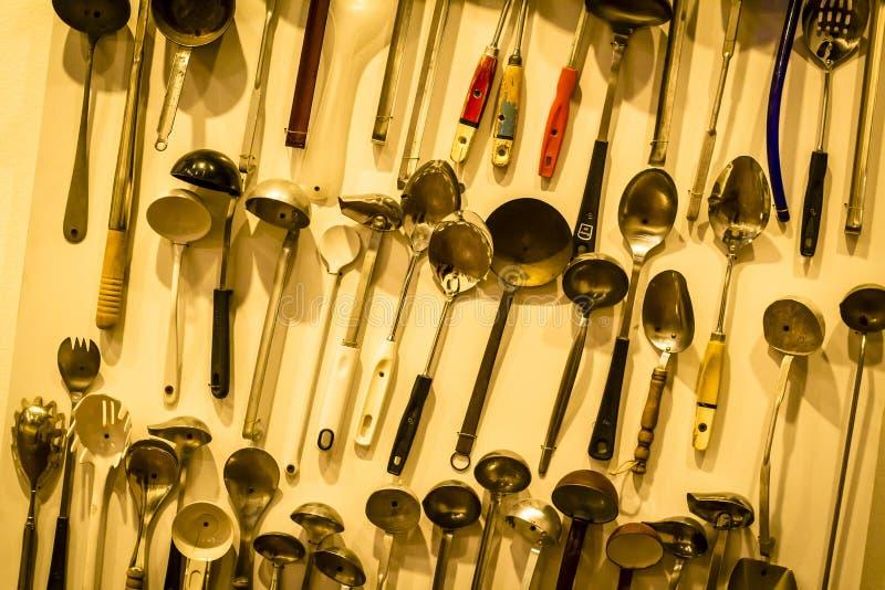 Ложка инструментов кухни железная стоковые изображения