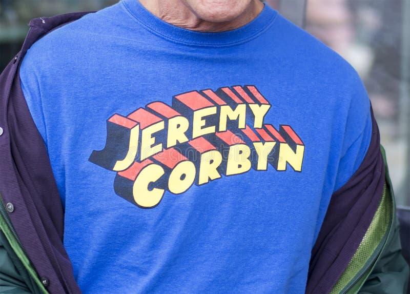 Лозунг футболки супермена Джереми Corbyn стоковая фотография