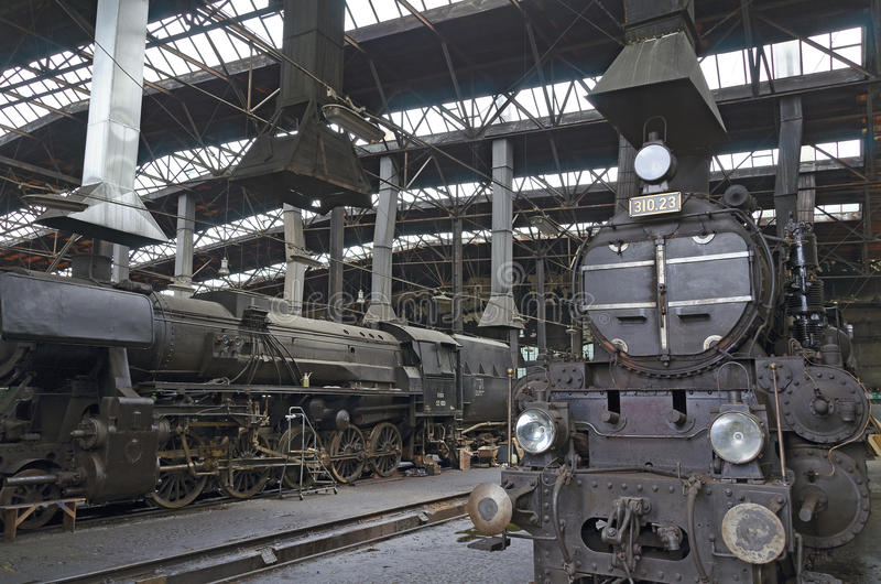 Локомотивы пара в бывшем доме топления стоковые изображения rf