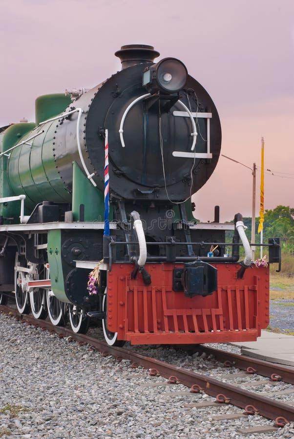 Download Локомотив пара стоковое изображение. изображение насчитывающей двигатель - 33736475