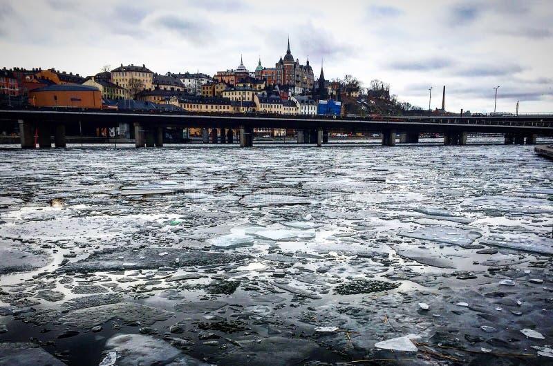 Ломать льда стоковые изображения