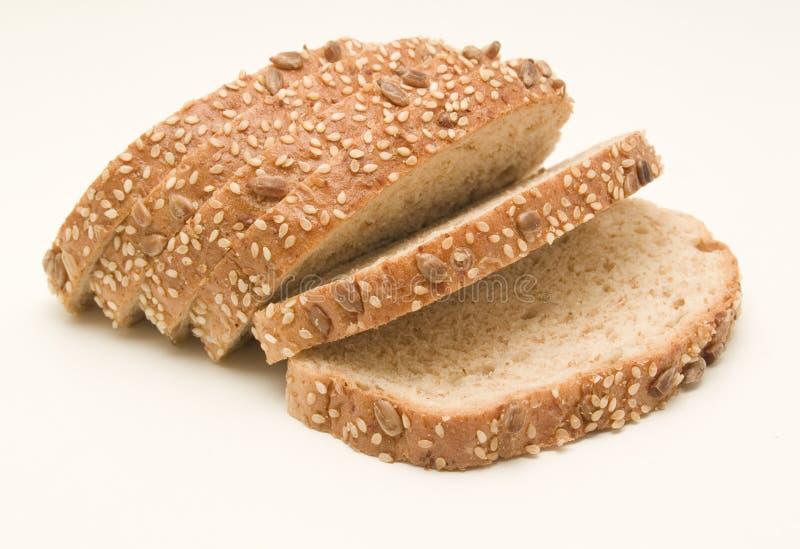 ломтики хлопьев черного хлеба стоковое фото rf