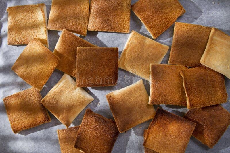 Download Ломтики toasted хлеба стоковое фото. изображение насчитывающей breadcrumbs - 41659816