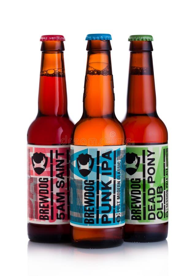 ЛОНДОН, ВЕЛИКОБРИТАНИЯ - 15-ОЕ ДЕКАБРЯ 2017: Бутылки пива brewdog на белизне От винзавода Brewdog стоковые изображения rf