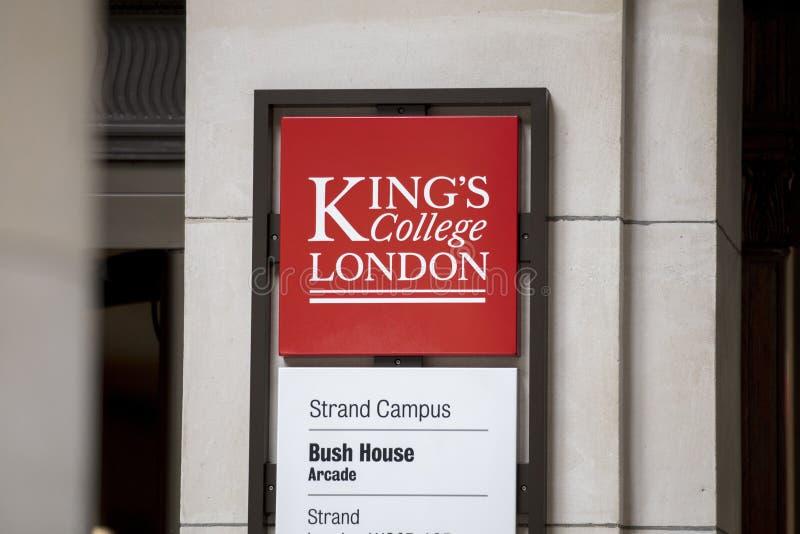Лондон, Великобритания, 18-ое июля 2019, знак для дома королей Коллежа Стренги Кампуса Буша стоковое изображение rf