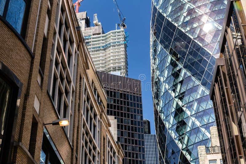 Лондон, Великобритания - 2-ое сентября 2018: Ось 30 St Mary aka небоскреб Gerkin в городе Лондона стоковое фото rf