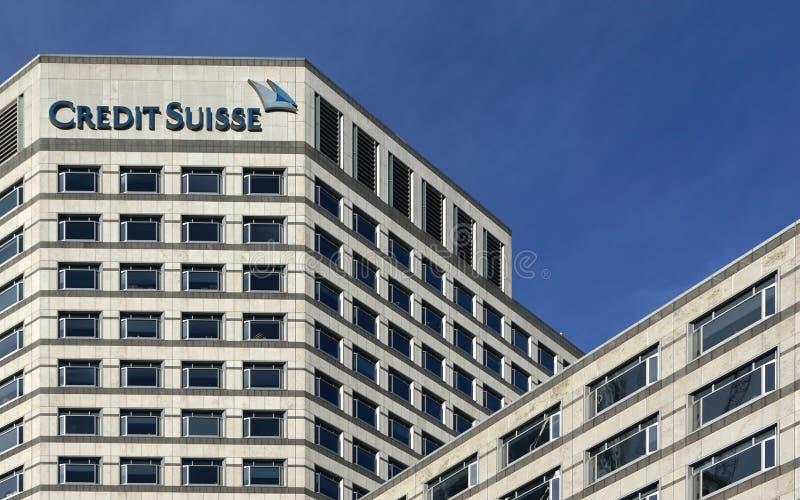 Лондон, Великобритания - 3-ье февраля 2019: Ветвь Великобритании кредита Suisse на канереечном причале Группу AG CS многонационал стоковое фото rf