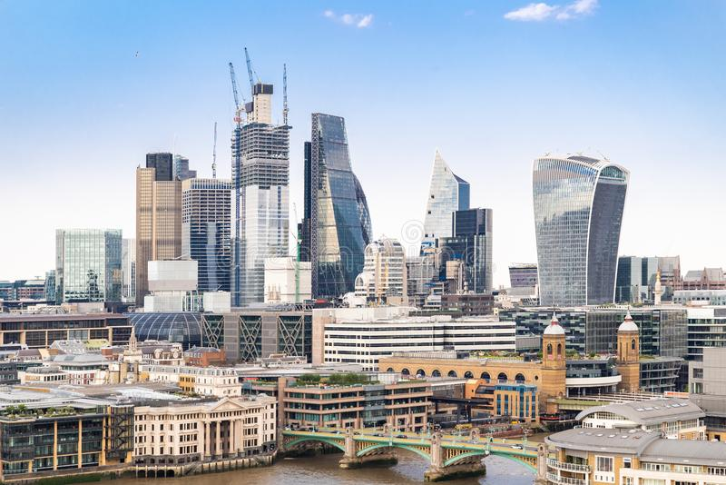 Лондон городской с рекой Темзой стоковая фотография