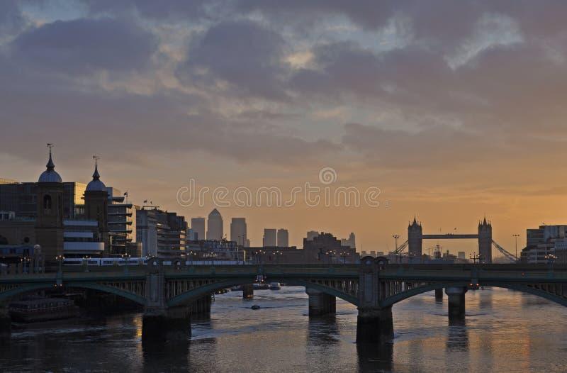Лондон от моста тысячелетия стоковая фотография rf