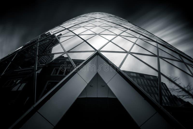 Лондон, Великобритания - 29-ое марта: Взгляд высокого угла небоскреба корнишона стоковая фотография