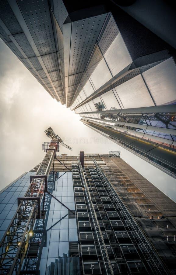 Лондон, Великобритания - 29-ое марта 2017: Футуристические промышленные смотря башни Willis и Scapel стоковое изображение rf