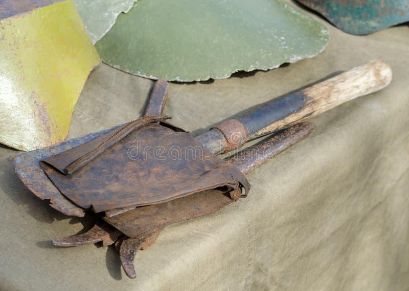 Лопаткоулавливатель сапера покрытый с ржавчиной, Второй Мировой Войной стоковая фотография