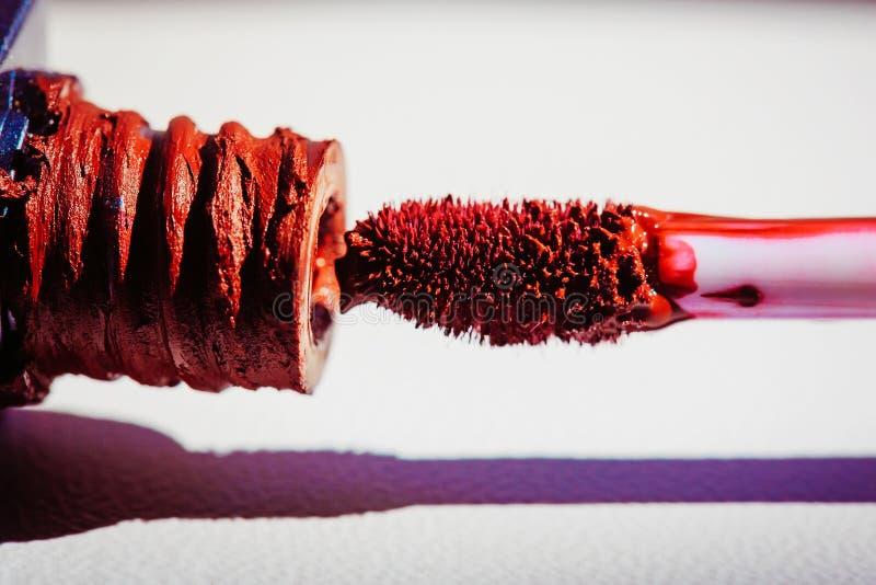 Лоск губы очарования красный стоковое изображение