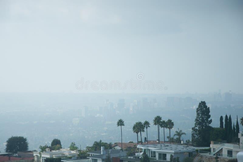 Лос-Анджелес, Калифорния, вид с воздуха США модного горного склона самонаводит стоковые изображения rf