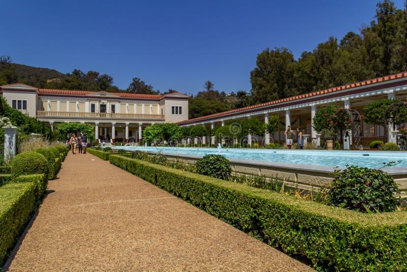 Лос-Анджелес, США - 7-ое июля 2018, известная вилла Getty в графстве Санта-Моника, Лос-Анджелесе, Калифорния Дизайн  стоковое изображение rf