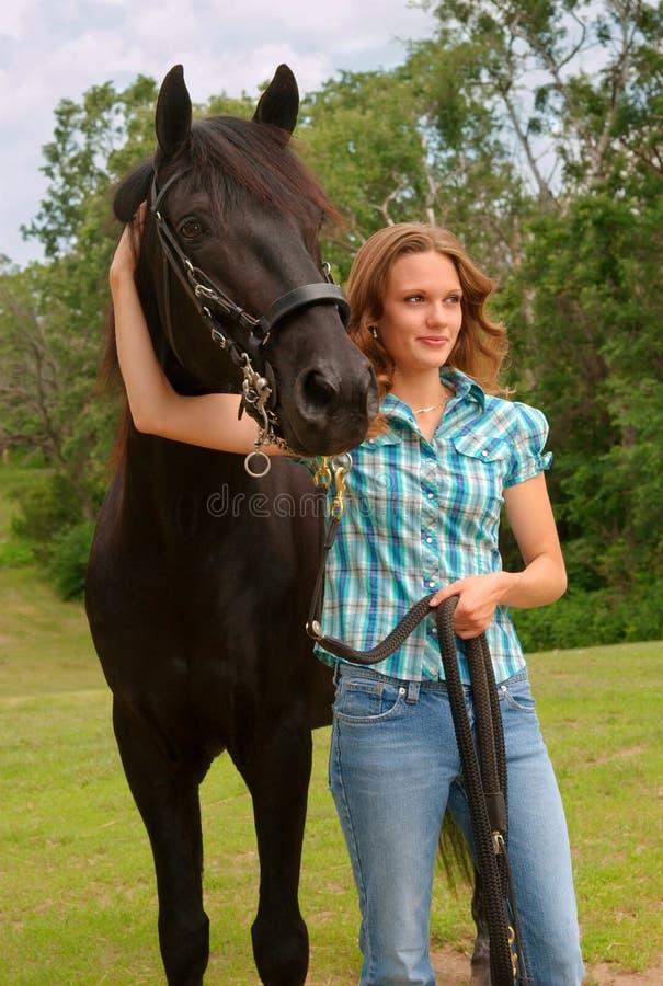 лошадь девушки стоковое изображение rf