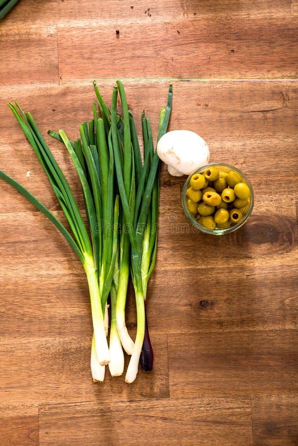 Луки и оливки весны стоковые фотографии rf