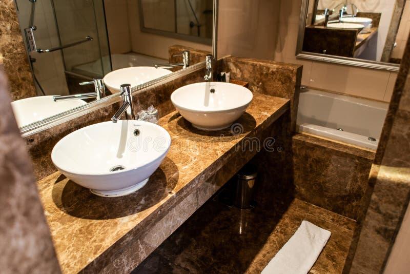 Луксор Египет 18 05 Интерьер 2018 и комнаты гостиницы шлюпки круиза Steigenberger Minerva стоковое изображение rf