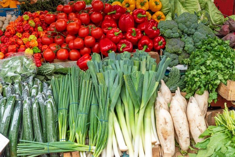 Лук-порей, перцы и томаты стоковые изображения rf