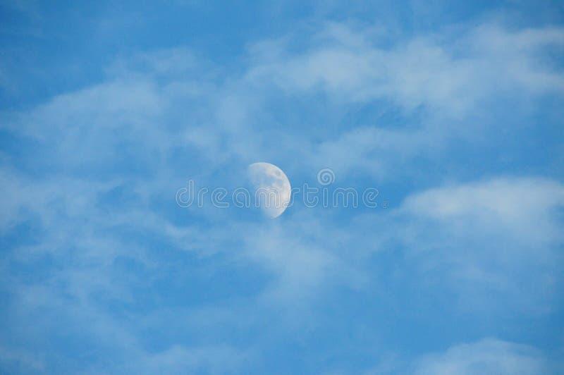 Луна дневного времени стоковые изображения