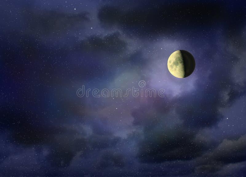 Луна накаляя в темном ночном небе стоковые изображения