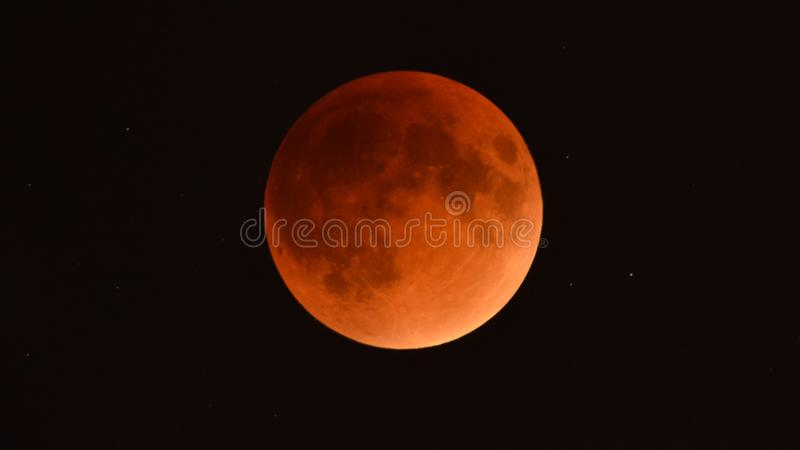 Лунное затмение сентября 2015 - супер луна крови - как увидено от Минесоты, США - 28-ое сентября бесплатная иллюстрация