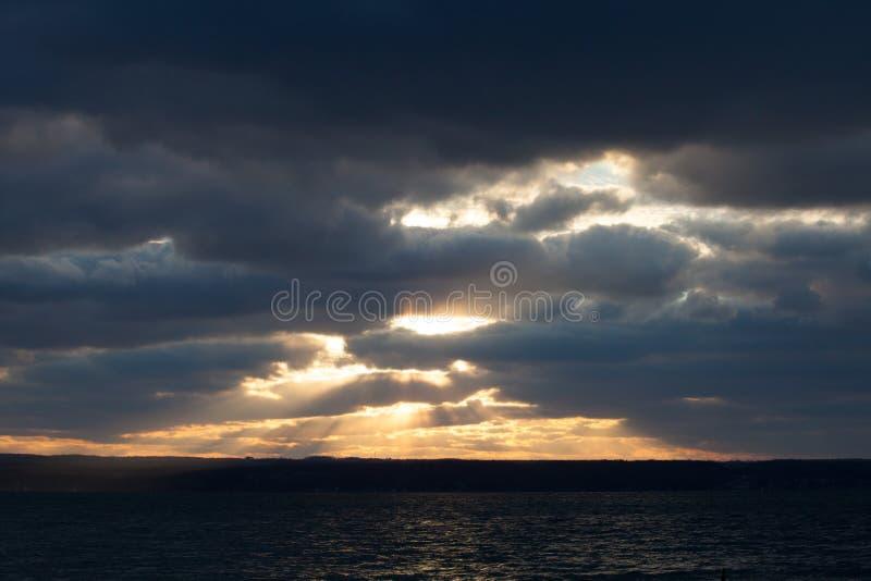 Лучи позднего вечера увиденные от коллежа Wells стоковое фото rf