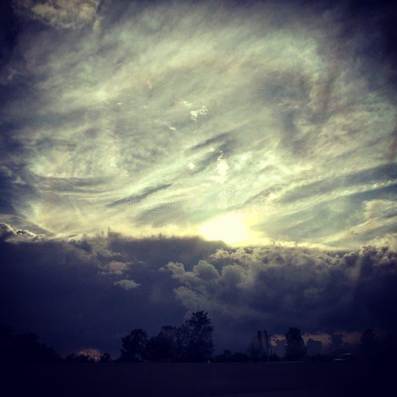 Лучи Солнця поблескивая стоковая фотография rf