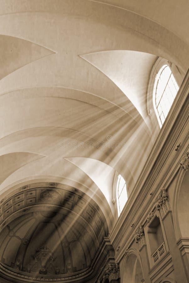 Луч церков и солнца стоковые фотографии rf