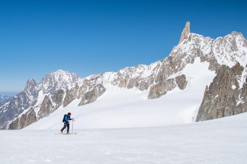 Лыжа альпиниста стоковые фотографии rf