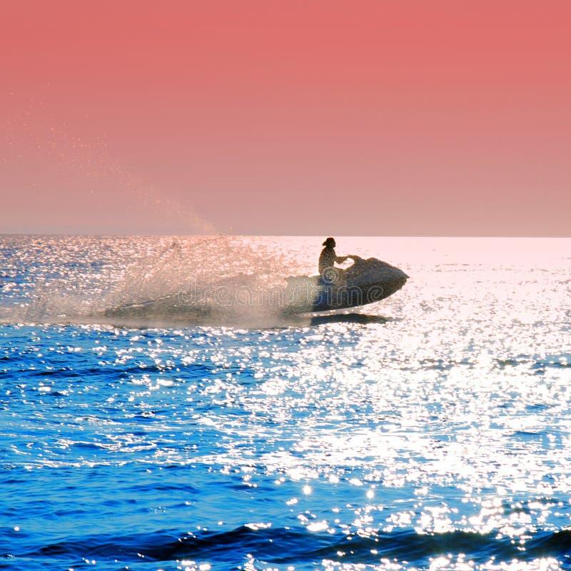 лыжа двигателя стоковое изображение rf