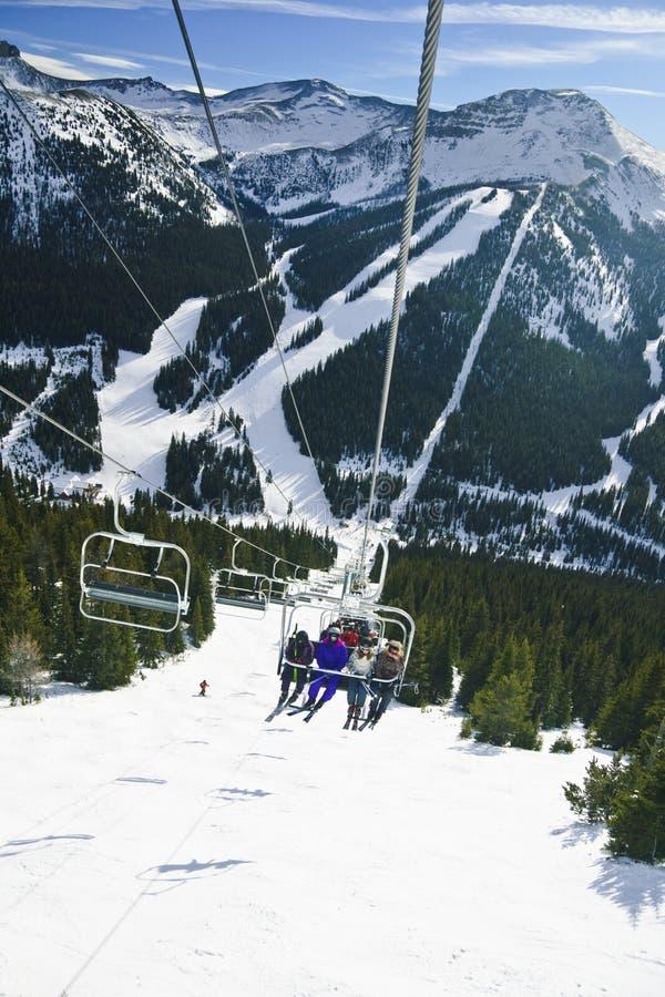 лыжа курорта louise озера стоковые изображения rf