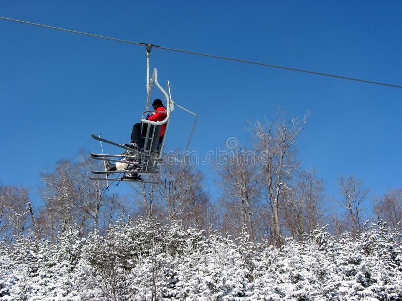 лыжа chairlift стоковое изображение rf