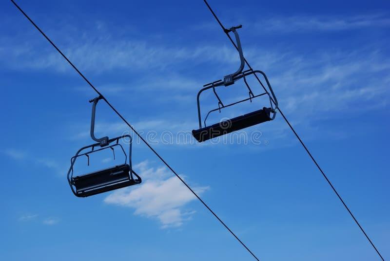 лыжа chairlift стоковые изображения rf