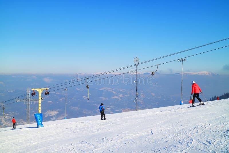 Лыжный курорт в Карпатах стоковое фото rf