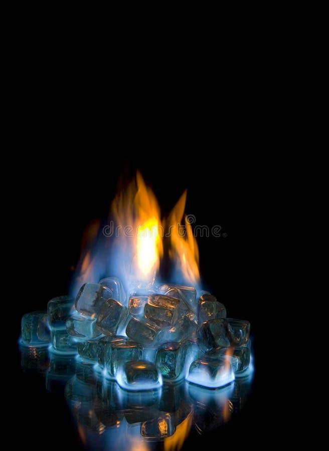 льдед пожара кубиков стоковая фотография rf